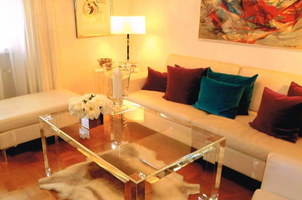 Möbel/ Accessoires aus PLEXIGLAS®: Hochwertig, exklusiv, individuell für Sie