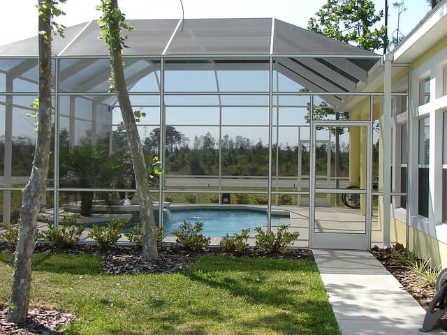 Dächer und Verglasungen für Außenbereich
