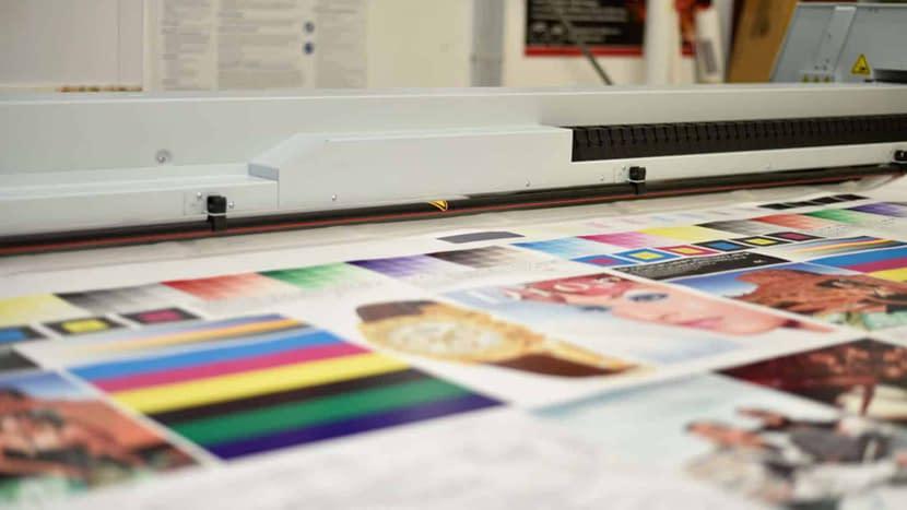 Digltaldruck ist eines der angebotenen Verarbeitungsverfahren für Kunststoffe.