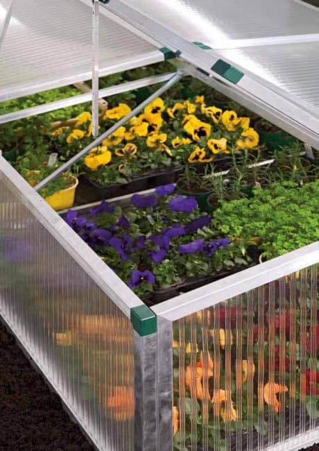 Gewächshaus für den Garten -Kunststoffprodukte aus PLEXIGLAS® Makrolon®