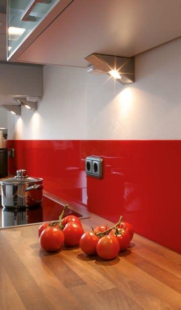 Wandverkleidung aus Plexiglas - hygienisch und ästhetisch besonders in der Küche
